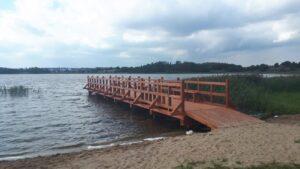 Pomost rekreacyjny nad jeziorem Fiszewo w Skwierawach w ramach Pomorskich Szlaków Kajakowych