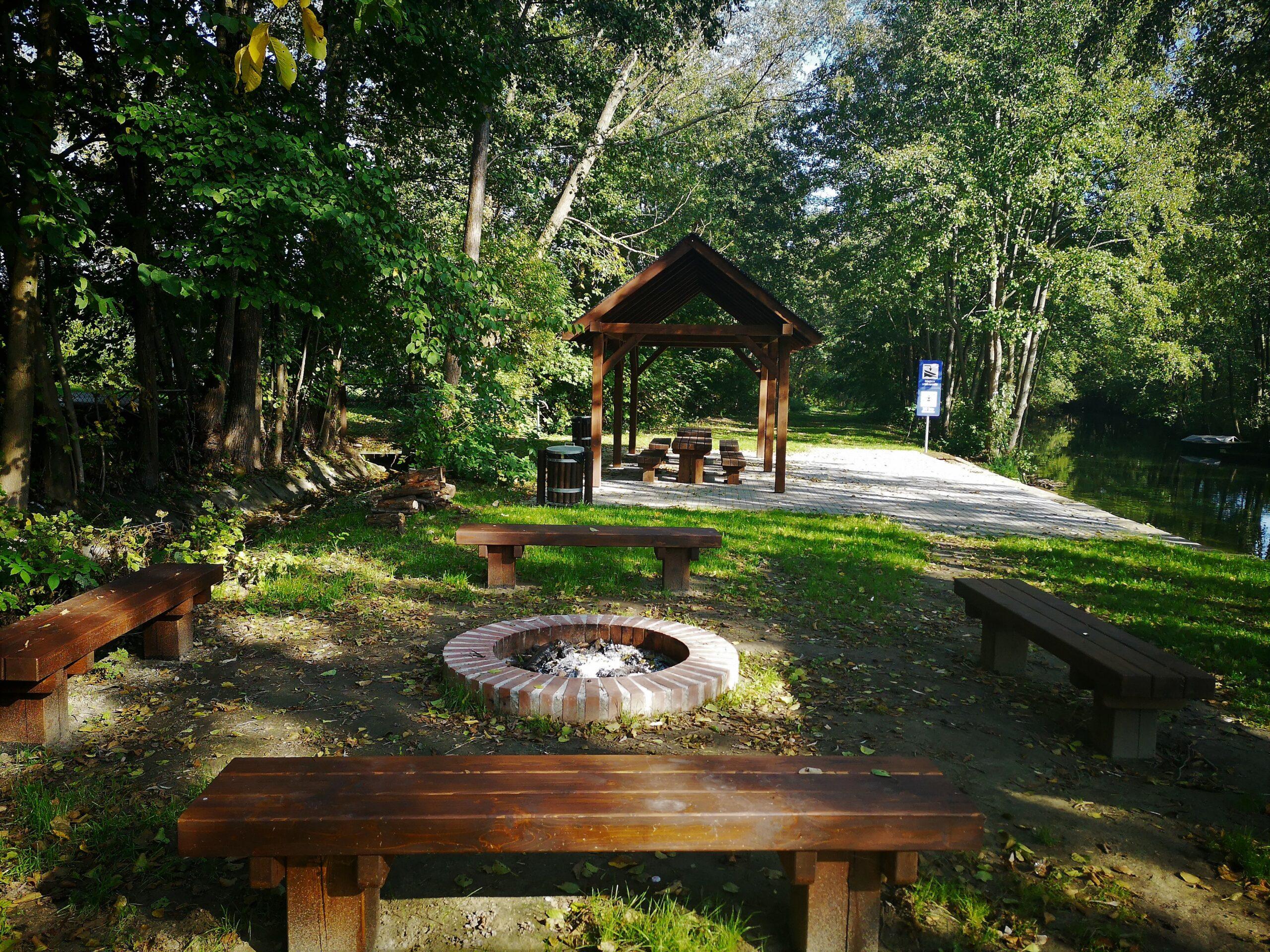 Przenoska przy jeziorze Chmielonko oraz przystanek kajakowy