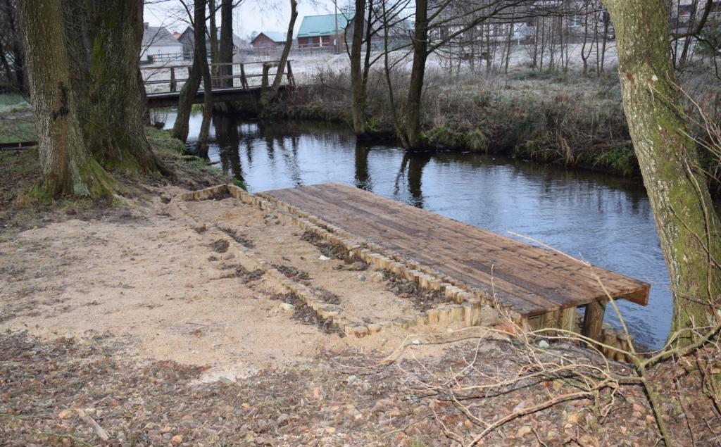 Przystań kajakowa i pole biwakowe w miejscowości Międzybórz