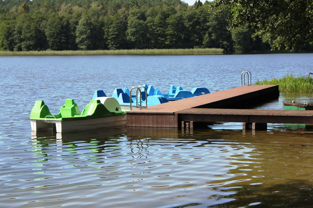 Przystań kajakowa nad jeziorem Obłęskim